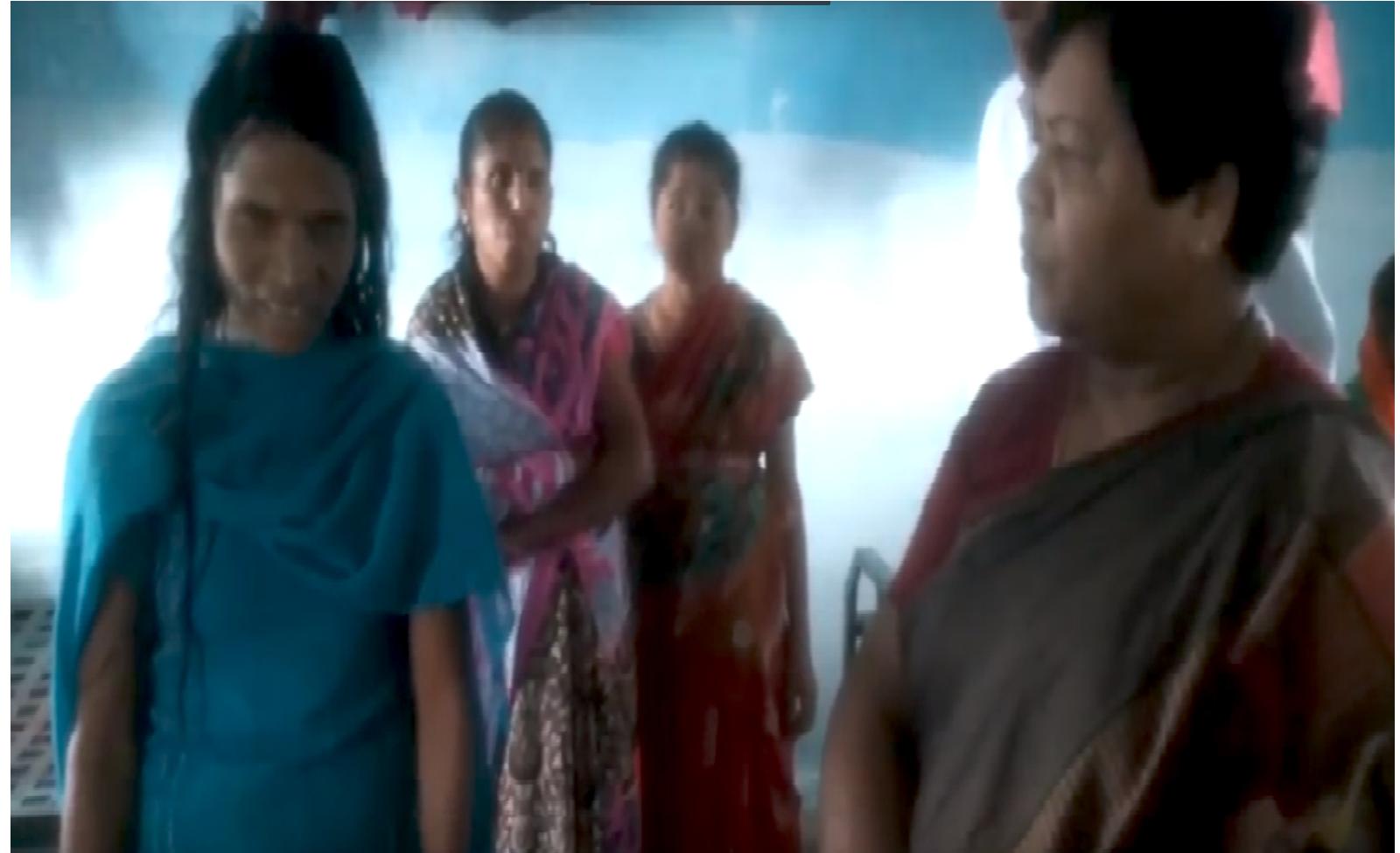 Embedded thumbnail for Miss Anusuiya Uikey VC NCST New Delhi Visit to Mahila Ashram and Talk with Lady at Sausar Drishti